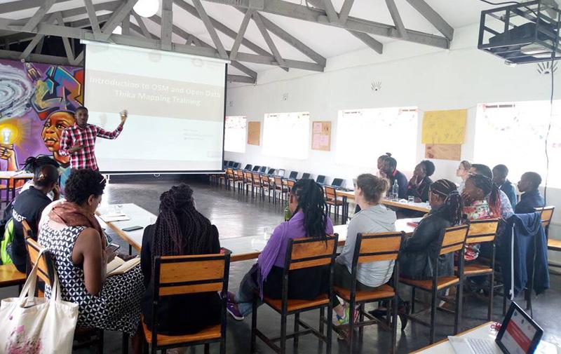 In person volunteering: group photo in Kenya