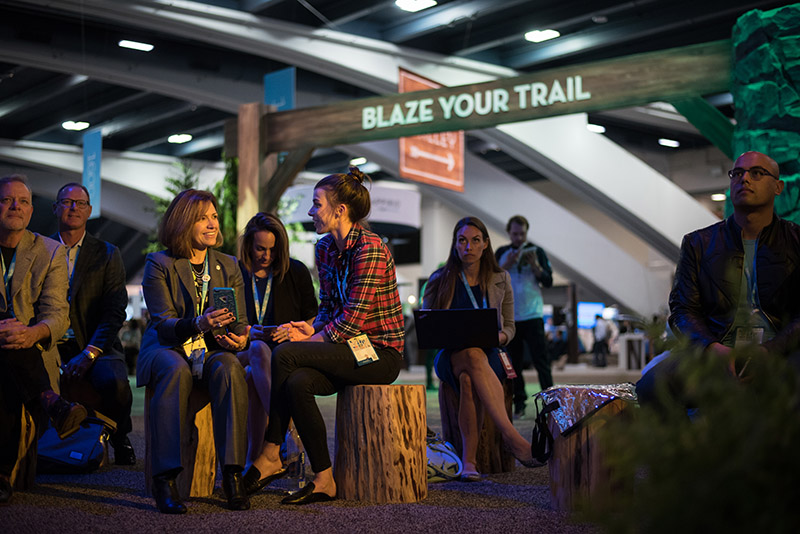 Blaze your trail by building your Dreamforce agenda in advance.