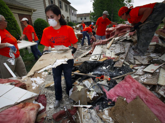 Volunteers helping to clean up after the 2010 flood in Nashville