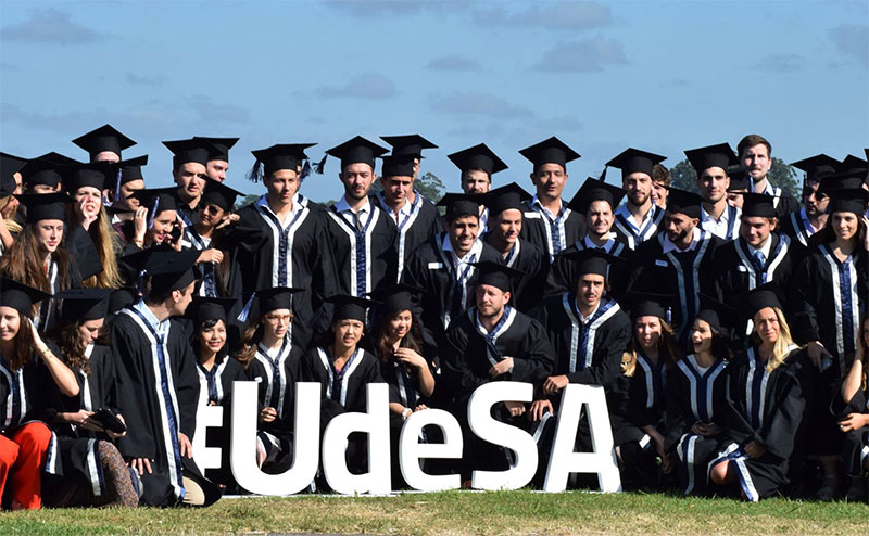 New graduates of Universidad de San Andrés (UdeSA)